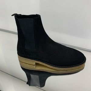 YSL NEVADA CHELSEA BOOT SIZE 10